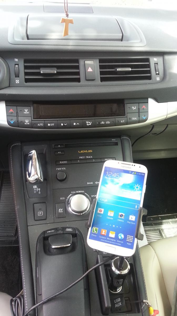 perfect phone holder for CT 200-20130803_141606.jpg