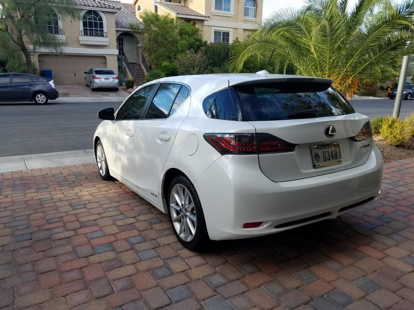 K Selling 2012 CT200 Starfire Pearl Premium Las Vegas-20170803_184322.jpg