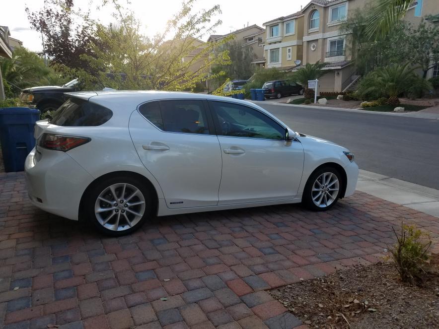 K Selling 2012 CT200 Starfire Pearl Premium Las Vegas-20170803_184340.jpg