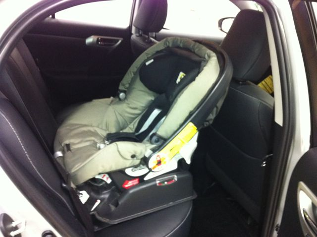 baby car seat in the back page 2. Black Bedroom Furniture Sets. Home Design Ideas