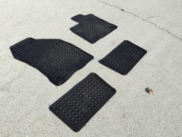 For Sale: CT200h All weather mats OEM and retractable cargo cover-img_1542.jpg