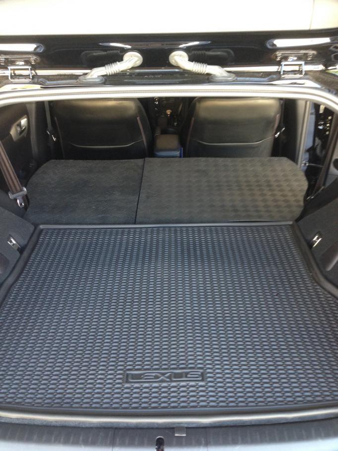 2nd Row Seat Cargo Mat-img_4194.jpg