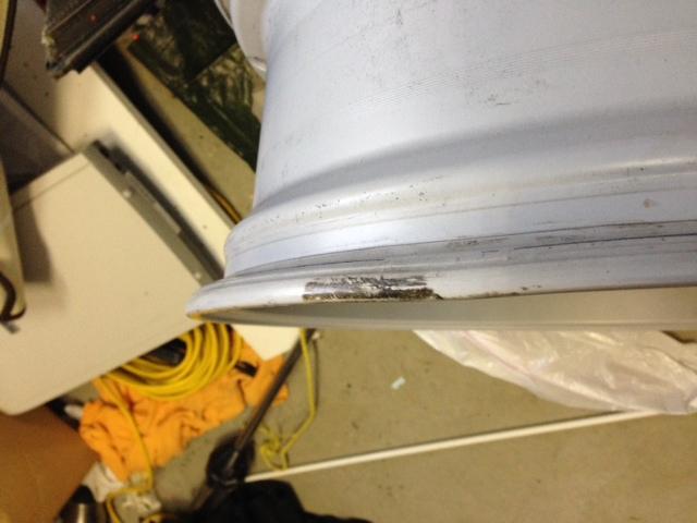 "(1) 2011 OEM 17"" Alloy Wheel (Damaged)-magc.jpg"