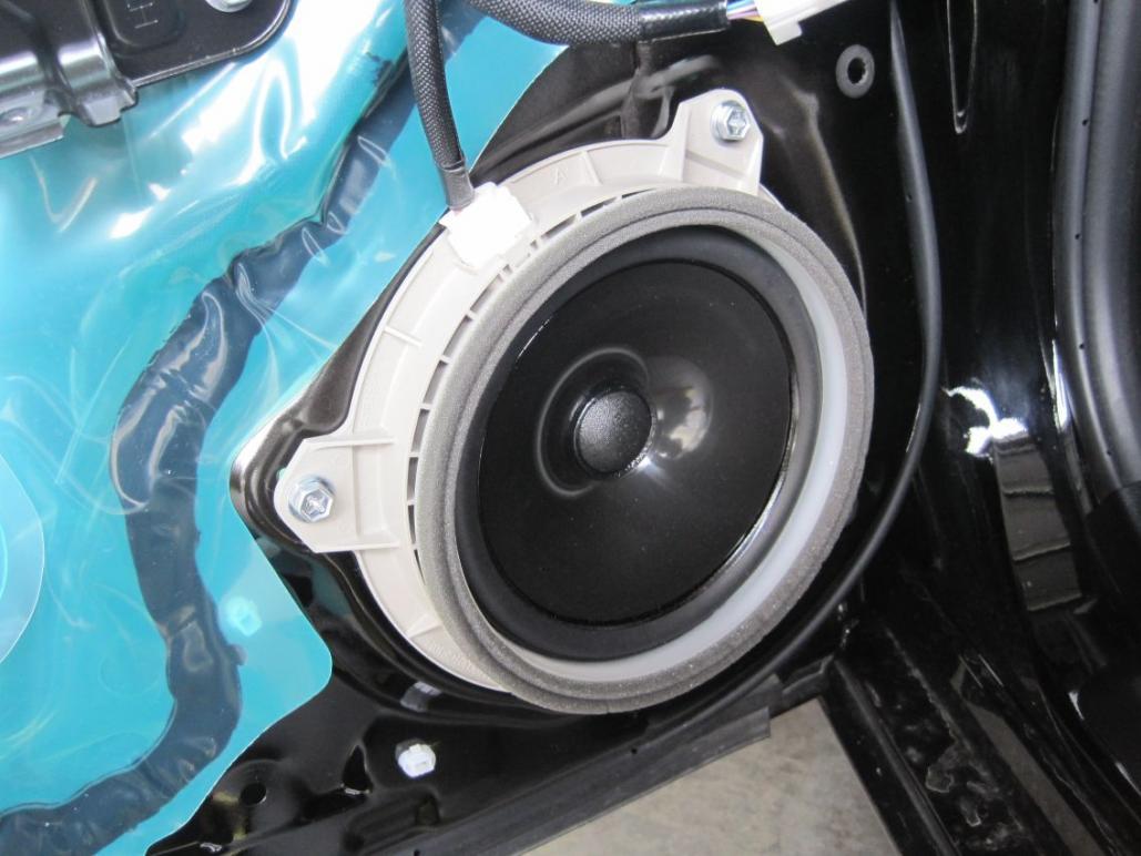 leonar40's speaker replacement thread-resize_oem-speaker-installed.jpg