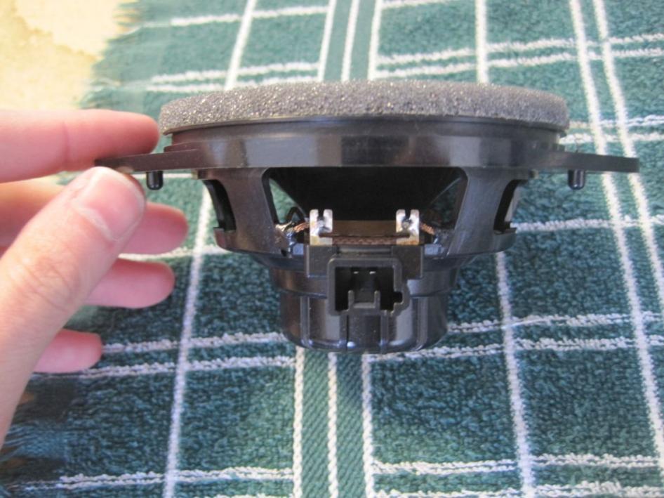leonar40's speaker replacement thread-resize_original-dash-speaker-side.jpg