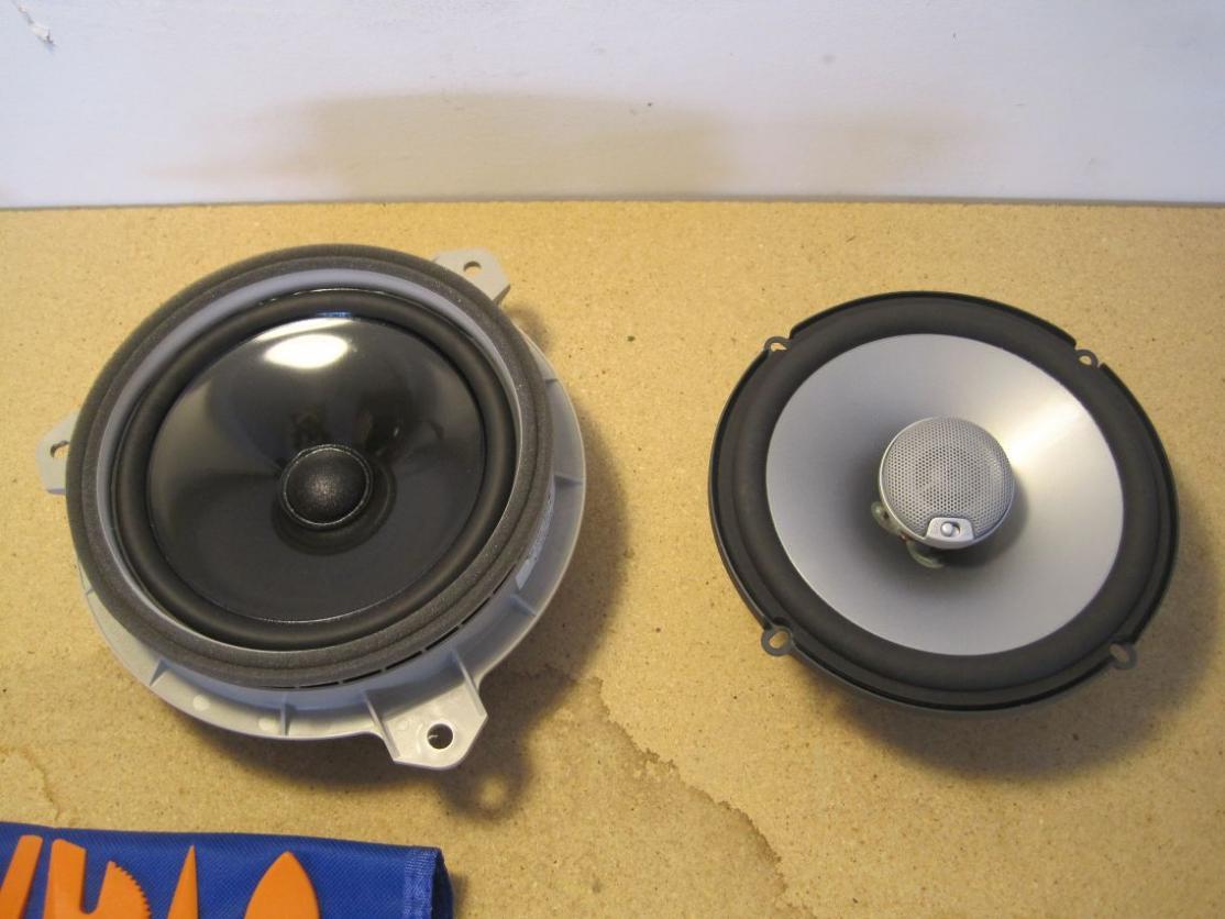 leonar40's speaker replacement thread-resize_side-side-front.jpg