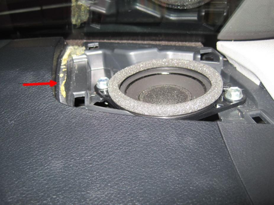 leonar40's speaker replacement thread-resize_speaker-grill-removal-point.jpg